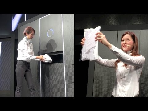 """A demonstration of """"Laundroid,"""" the world's first automated laundry-folding robot"""