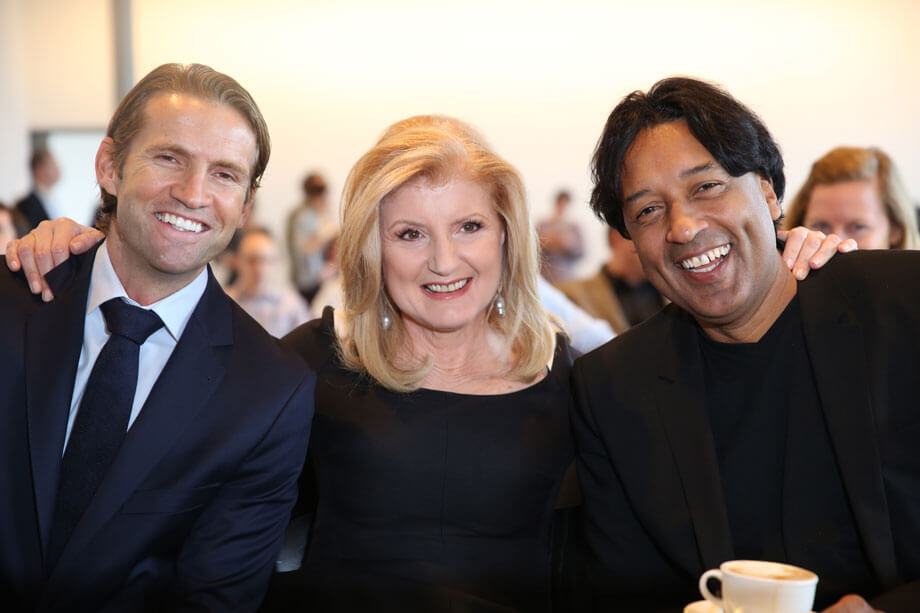 Jimmy Maymann (CEO Huffington Post), Arianna Huffington und Cherno Jobatey (Editorial Director) – Foto: gutjahr.biz / CC-BY-SA