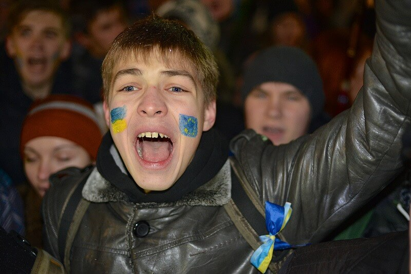 Give Ukraine a chance!
