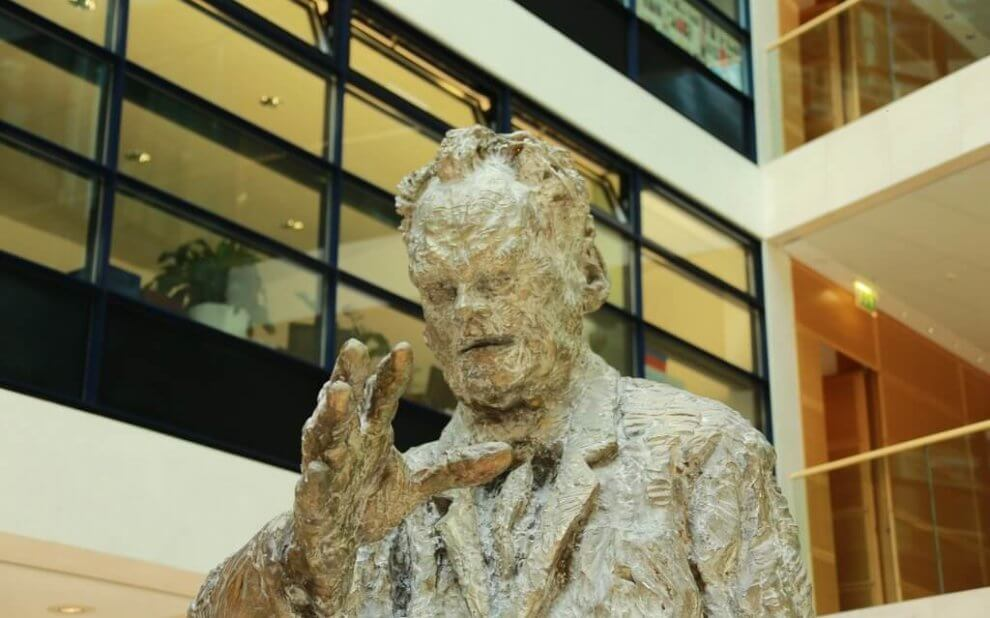 Willy-Brandt-Statue im Willy-Brandt-Haus, Berlin