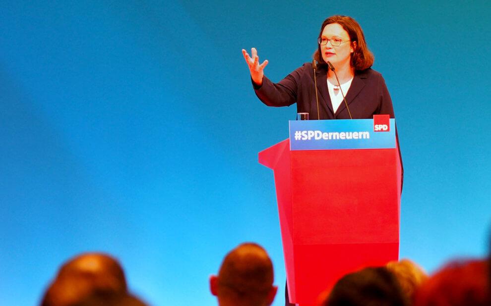 Andrea Nahles spricht auf dem SPD-Parteitag in Wiesbaden