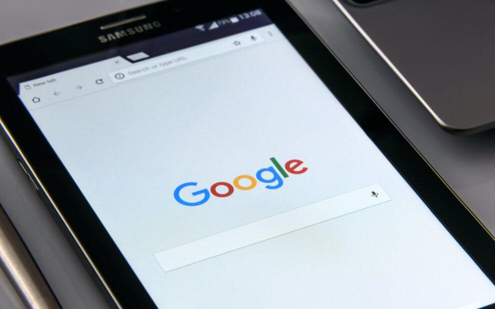 Tablet mit Google Startseite