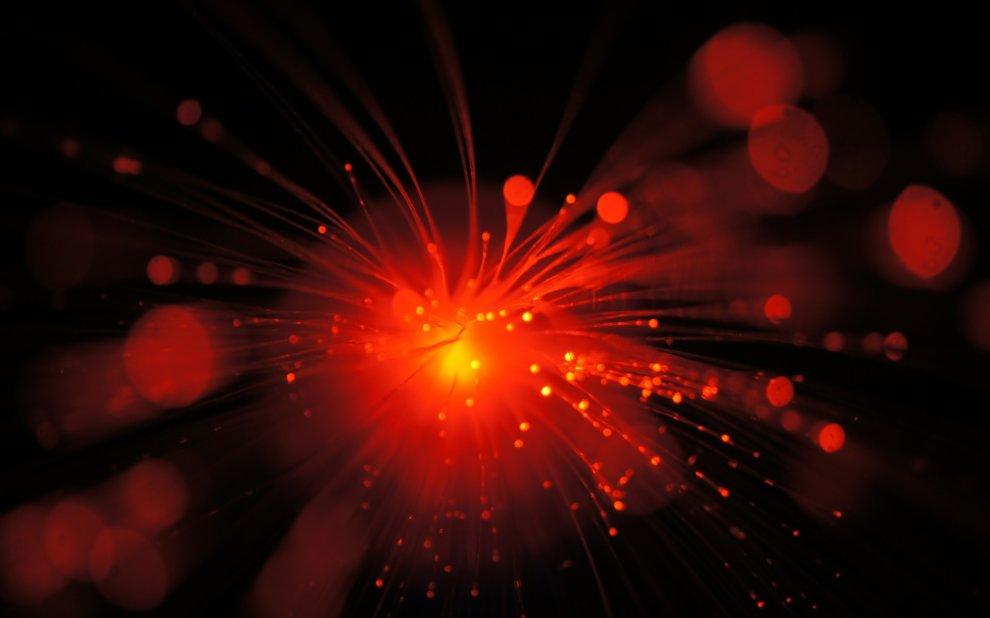 Glasfasern mit rotem Licht