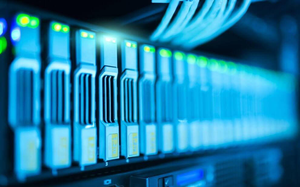 Festplatten in einem Server-Rack
